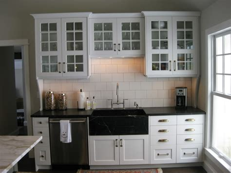 hardware for white kitchen cabinets mix and match of great kitchen cabinet hardware ideas for
