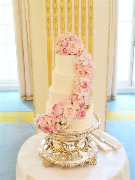 Pink Flower Wedding Cake by Pink Cascade Floral Wedding Cake At Mandarin