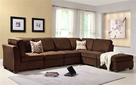 what color pillows for a brown couch sofa decorating around a leather sofa what color rug