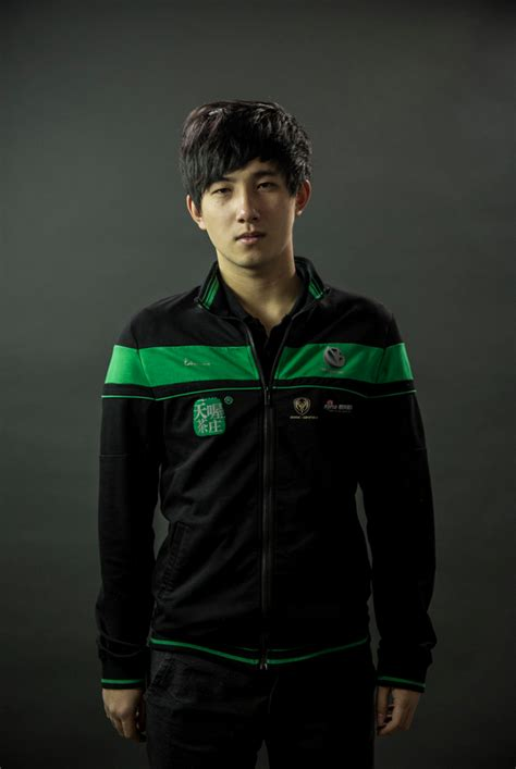 Dota Player rate this handsome dota 2 player fy