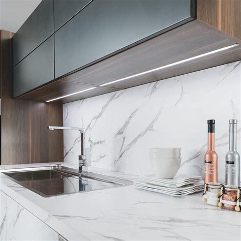 馗lairage plan de travail cuisine led eclairage led cuisine plan de travail eclairage led
