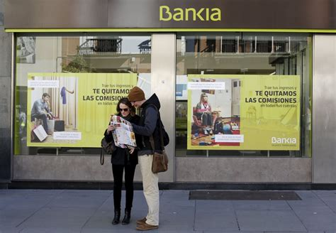 bancos de bankia bankia y bmn meten presi 243 n a la banca al aceptar devolver