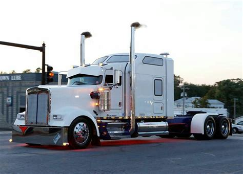 kenworth 18 wheeler for kenworth w900l i love white 18 wheeler group board