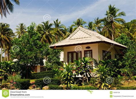 hawaiian bungalow resorts tropical bungalow royalty free stock photos image 19090128