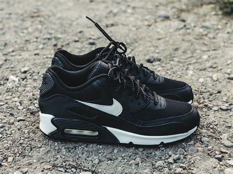 nike flash sneakers s shoes sneakers nike air max 90 flash gs 807626
