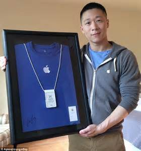 apple employee ex apple employee named sam sung auctions off his old