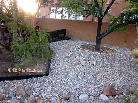 Gravel Backyard Ideas Gravel And Grass Landscaping Ideas Landscaping Gardening Ideas