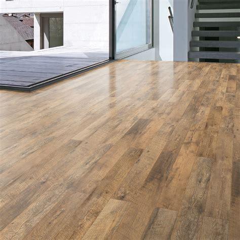 Oak Effect Laminate Flooring by Ostend Ascot Oak Effect Laminate Flooring 1 76 M 178 Pack