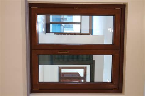 finestra con persiana finestra a 2 ante in legno alluminio serie prestige di sidel
