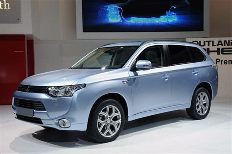 electric and cars manual 2012 mitsubishi outlander free book repair manuals mitsubishi outlander phev is world s first production plug in hybrid cuv w video