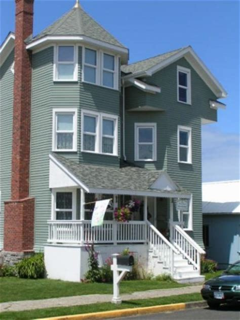 newport bed and breakfast grand victorian b b and vintage cottage rental a newport bed and breakfast inspected