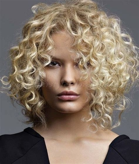 shoulder length blonde curly hair wavy and curly medium length hairstyles shoulder length