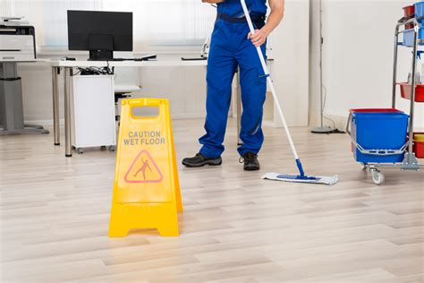 cleaning companies why hire a janitorial cleaning service