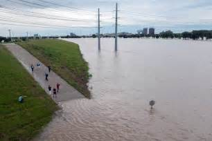 Tx Flood Flooding Toll Rises To 24 As Rivers Swell