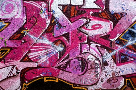 wallpaper graffiti pink pink graffiti by lubellecreativespark on deviantart