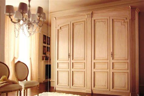 ladari a soffitto per salotti salotti classici con camino voffca ladari moderni a