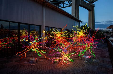 Botanical Gardens Glass Exhibit Dale Chihuly Exhibit To Open At Ny Botanical Garden April 22
