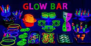glow sticks amp glow necklaces party city