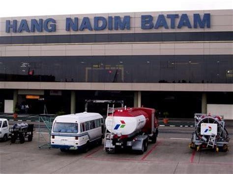 citilink reroute hang nadim airport in batam indonesia air plane
