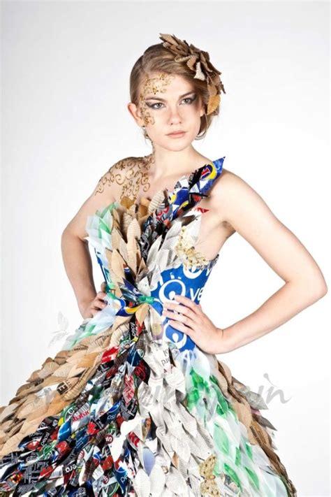 vestidos de la epoca colonial con material reciclable vestidos de la epoca colonial con material reciclable