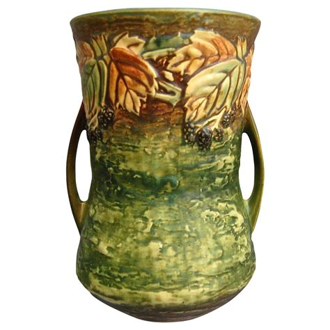Roseville Vase Value by Monumental Roseville Pottery Blackberry Vase 577 10 Ca 1932 Value Sold On Ruby