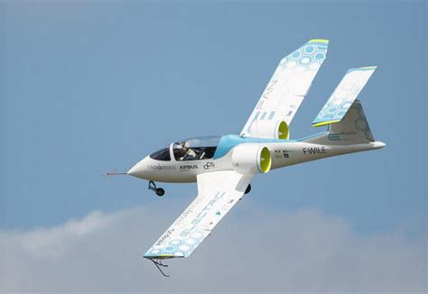 Electric Planes Pull The Other One by Airbus Demonstrated The E Fan Electric Plane Wordlesstech