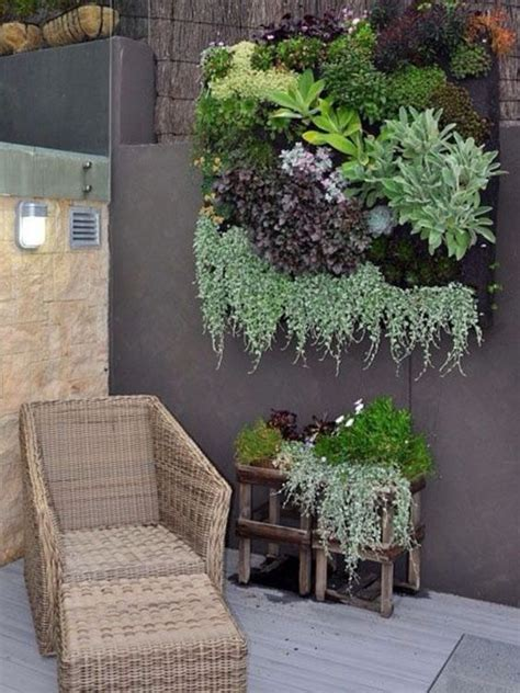 Succulent Wall Garden So Beautiful Succulent Wall Succulent Wall Gardens
