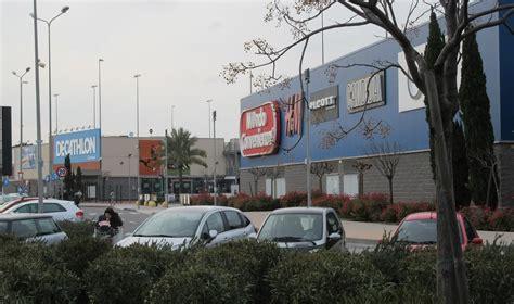 centro commerciale le porte catania rubano al decathlon e all auchan di porte di catania