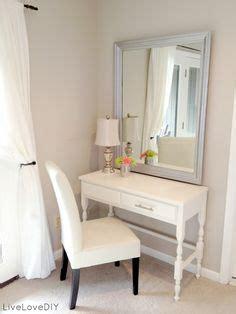 Bedroom Vanity Placement 1000 Ideas About Dresser Mirror On Bedroom