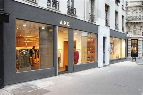 Apc Opens Discount Store In by A P C Store By Laurent Deroo 187 Retail Design