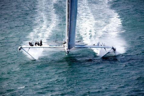 hydrofoil catamaran speed record hydroptere the world s fastest sailboat