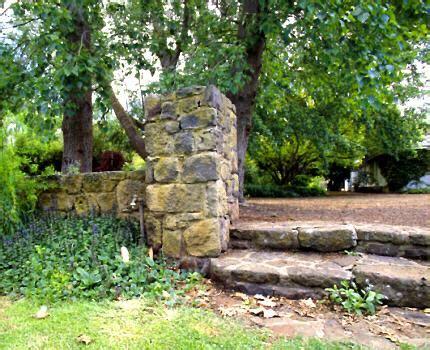 The Australian Country Woman S Garden Tpg Walled Garden