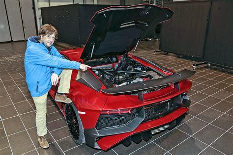 Was Kostet Ein Lamborghini by Sitzprobe Lamborghini Aventador Sv Bilder Autobild De