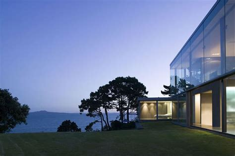 home design ideas new zealand modern home design new zealand cliff house in auckland by