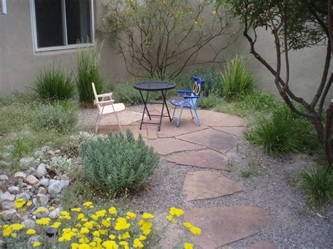 Patio Step Stones by Gravel Stepping Stones Southwest Style Patio And