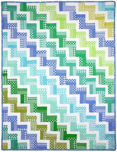 zig zag rail quilt pattern zig zag rail quilt by red pepper quilts modern basics