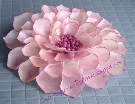 How To Make Edible Wafer Paper Flowers - 10 images about wafer paper cake dekor on