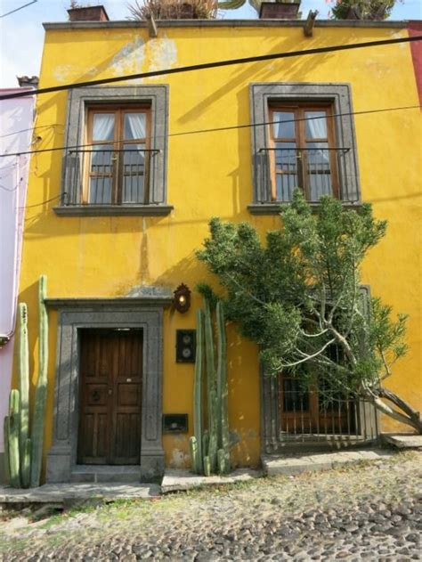 mexican houses mexican house design a look at houses in mexico hacienda style pinterest a