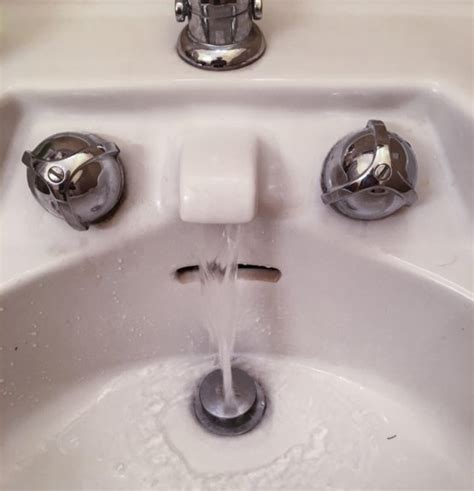 has runny nose this sink looks like it has a runny nose trending on reddit
