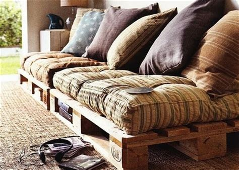 pallet day bed 16 pallet daybed hot and new trend pallet furniture diy