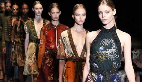 della moda calendario sfilate moda donna il calendario delle sfilate ai 2018