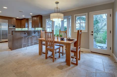 Dining Room With Patterned Travertine Tile Floor | dining room with patterned travertine tile floor