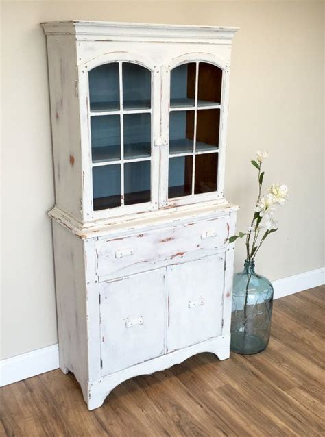 small china cabinet hutch 1000 ideas about small china cabinet on china