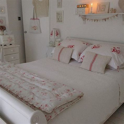Shabby Chic Bedroom Colors by 17 Best Ideas About Shabby Chic Bedrooms On