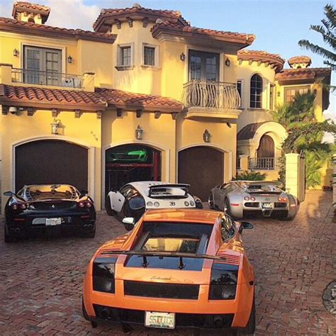 super hot mobile get your luxury expensive and exotic cars here take your pick millionaire bugatti ferrari hermes