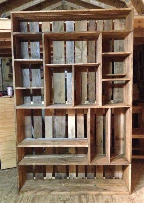 bookshelf made out of pallets idee 235 n voor het huis