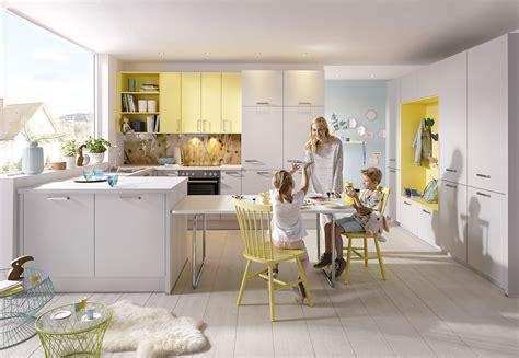 küchengestaltung mit essplatz kleinkindzimmer junge