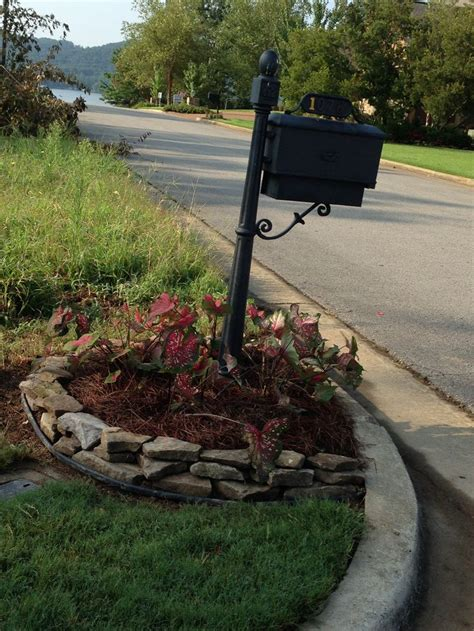 mailbox flower bed mailbox flower bed house decorating pinterest