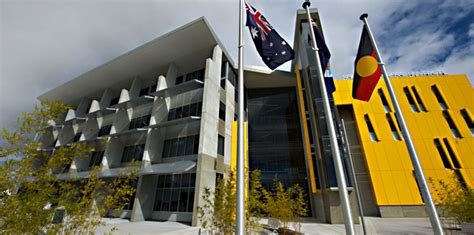 Southern Cross Mba Fees by Unis 2 8b Cut Higher Student Fees Echonetdaily