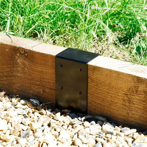 Joining Railway Sleepers by 7x3 Timber Railway Sleeper Joining Plate Bracket Black